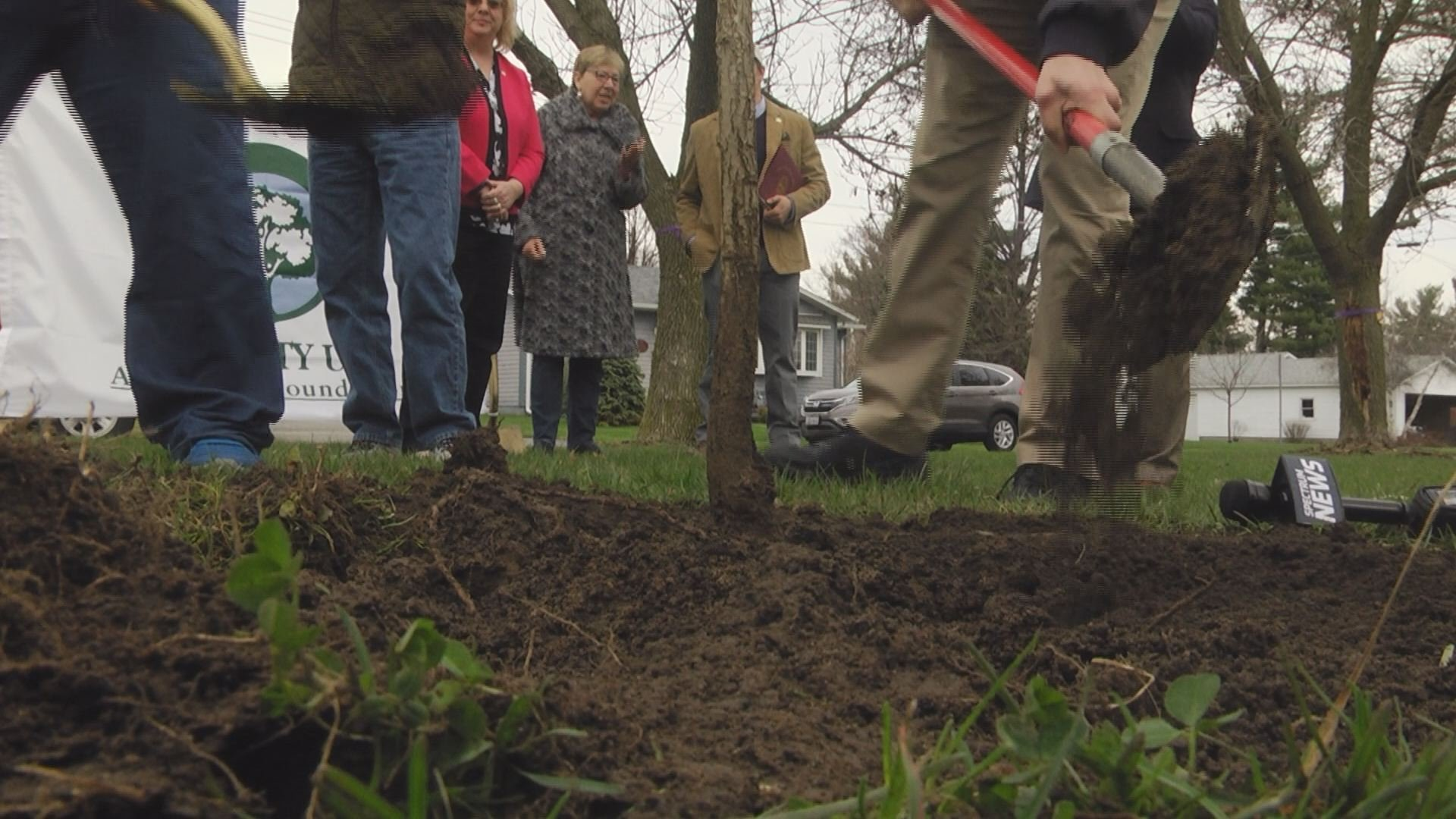 Kindergarteners help kick off Community Arbor Day celebration